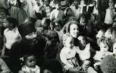 Bob Marley with Abuna Yesehaq and children